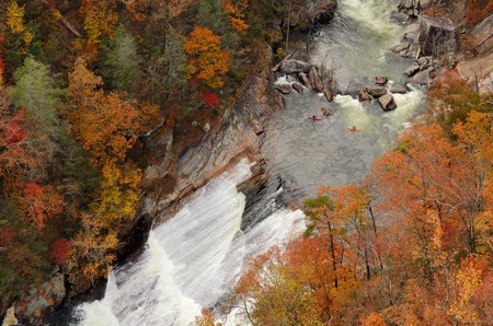 appalachian mountains: Kayakers contemplate a rapid at Tallulah Gorge in Northeast Georgia, USA.