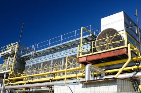 amoniaco: Cloe de las tuber�as en una f�brica Editorial