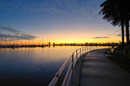 baie: molo all'alba a St. Pete, Florida