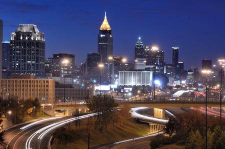 アトランタ - 11 月 19 日: ダウンタウン 2010 年 11 月 19 日アトランタ、ジョージア州アトランタは国の 3 番目のフォーチュン 500 企業の最高濃度です。 報道画像