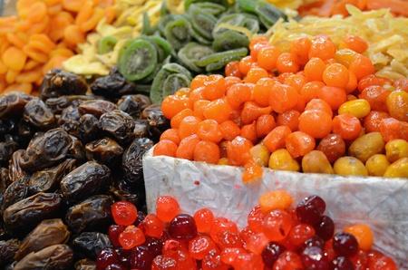 Gedroogde vruchten te zien op een markt Stockfoto