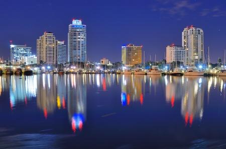 Skyline de Saint-Pétersbourg, Floride Banque d'images