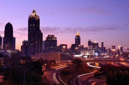 ジョージア州アトランタのダウンタウンのスカイライン。 写真素材