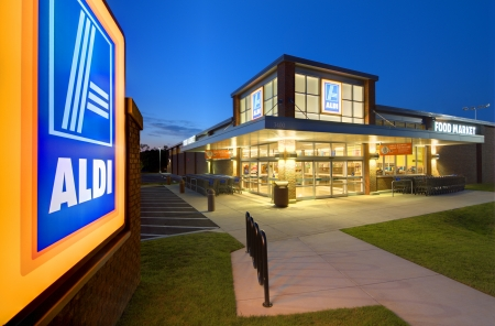 ATHENS, GEORGIA: MAY 8, 2012: Aldi Food Market May 8, 2012 in Athens, GA. The German-based discount supermarket chain operates about 8,133 individual stores worldwide. Stock Photo - 13626968
