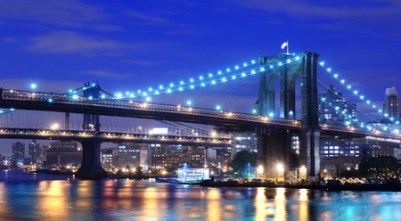 east coast: Brooklyn Bridge and Manhattan Bridge spanning the East River towards Brooklyn in New York City