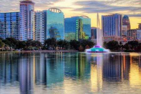Skyline of Orlando, Florida from lake Eola. Фото со стока - 14567790