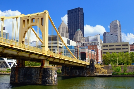 Skyscrapers in downtown at the waterfront of PIttsburgh, Pennsylvania, USA  Stockfoto