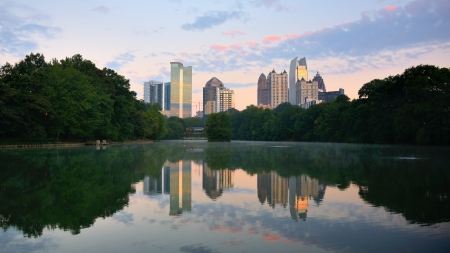 piedmont: Midtown skyline as seen from Piedmont Park in Atlanta, Georgia, USA
