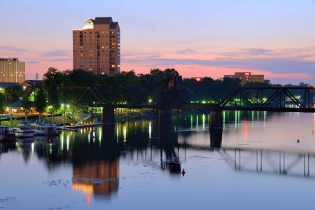Downtown Augusta, Georgia sits on the Savannah River and is the second most populous city in the state with nearly 200,000 residentis  스톡 콘텐츠