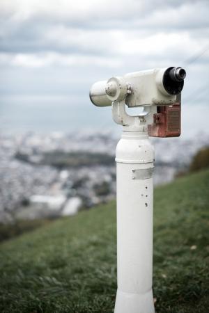 sucher: Sucher an einem Beobachtungspunkt �ber Otaru, Japan.