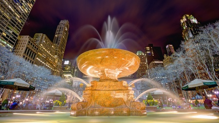 bryant park: Fountain in Bryant Park in New York City.
