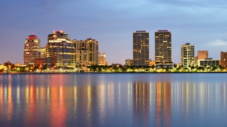 city and county building: Skyline of West Palm Beach, Florida, USA.