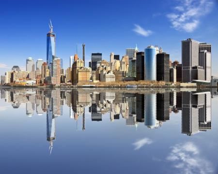 New York in Lower Manhattan met reflecties. Stockfoto