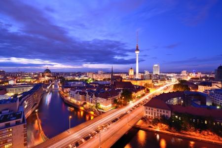 Berlijn, Duitsland van boven de rivier de Spree. Redactioneel