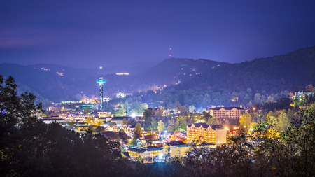 tennesse: Gatlinburg, Tennessee en las Montañas Humeantes.