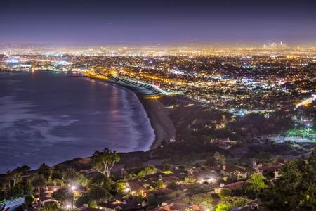 The Pacific Coast of Los Angeles, California as viewed from Rancho Palos Verdes. Imagens