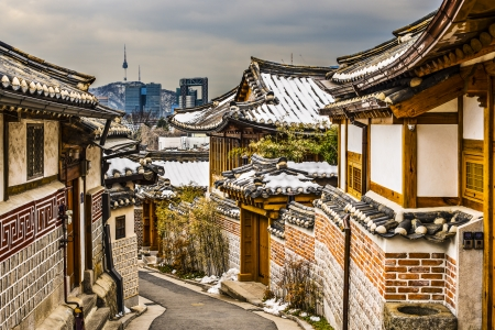 Seoul, South Korea at the Bukchon Hanok historic district. 版權商用圖片 - 24212983