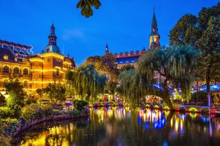 Kopenhagen, Denemarken tuinen en het stadhuis. Stockfoto