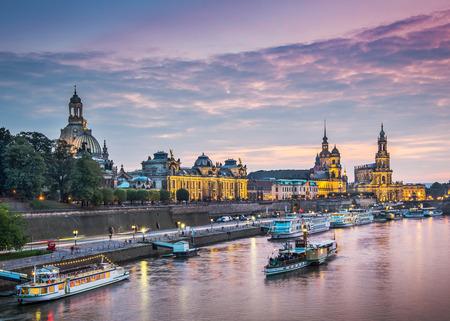 Dresden, Deutschland über der Elbe.