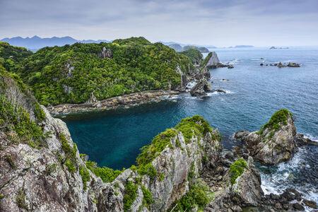 타이지, 와카야마, 일본의 코브. 이 사이트는 연간 돌고래 드라이브 사냥의 악명 높은 위치로 알려져있다.