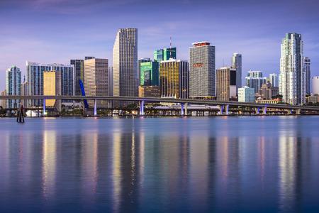米国、フロリダ州マイアミのダウンタウンのスカイライン。