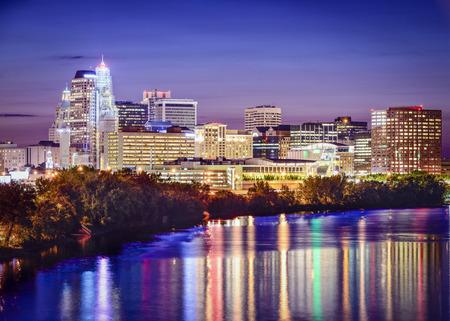 Hartford, Connecticut, USA skyline at twilight.