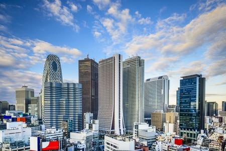신주쿠, 도쿄, 일본 금융 지구 풍경입니다.