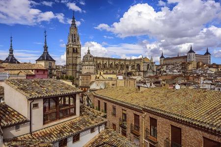 Toledo, Spanje stad skyline met de kathedraal en de Alcazar. Stockfoto
