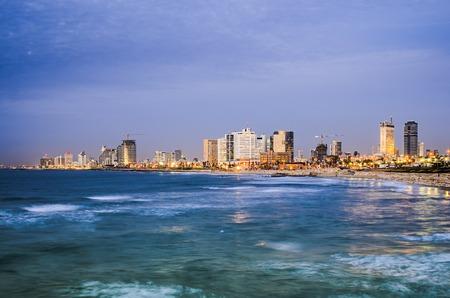 yaffo: Tel Aviv, Israel Skyline en el Mediterr�neo.