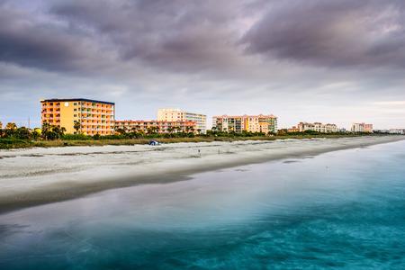 fl: Cocoa Beach, Florida beachfront hotels and resorts.