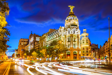 Madrid, Spain cityscape at Calle de Alcala and Gran Via. Imagens