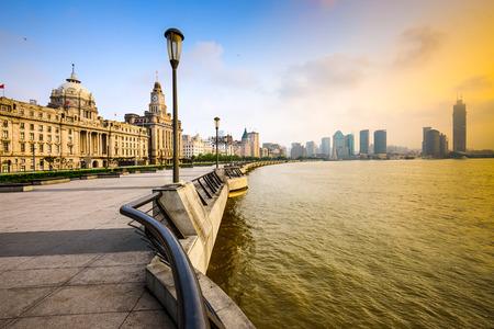 상하이 와이탄에서 중국의 풍경입니다. 스톡 콘텐츠 - 36961553