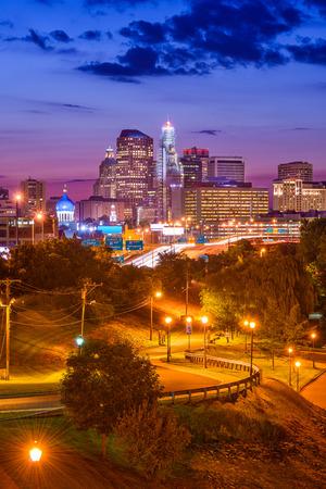 charter: Hartford, Connecticut, USA downtown skyline over Charter Oak Landing. Stock Photo