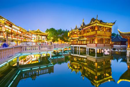 상하이, 중국은 전통적인 예원 지구에서 볼 수 있습니다. 스톡 콘텐츠