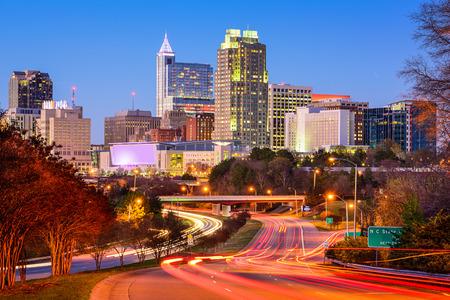 ローリー、ノースカロライナ、米国ダウンタウンの街並み。