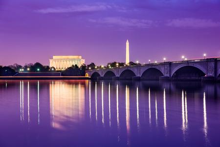 Washington, DC monumentos en el río Potomac. Foto de archivo - 39703942