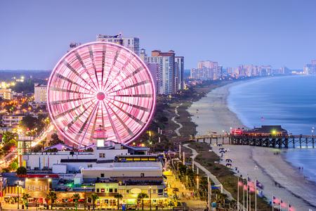 playa: horizonte de la ciudad en Myrtle Beach, Carolina del Sur, EE.UU.