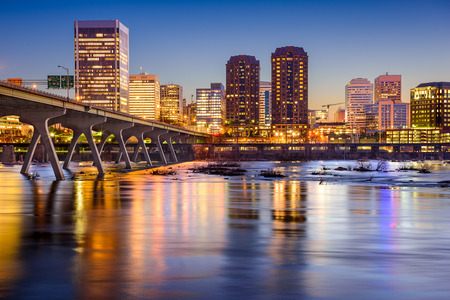 skyline on the James River in Richmond, Virginia, USA 스톡 콘텐츠