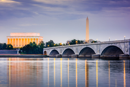 memorials: Washington DC, USA skyilne on the Potomac River with Lincoln Memorial, Washington Memorial, and Arlington Memorial Bridge.