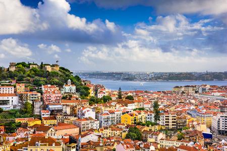 lisboa: Lisbon, Portugal skyline at Sao Jorge Castle.