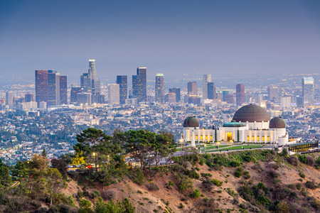 Los Angeles, California, USA downtown skyline from Griffith Park. Foto de archivo