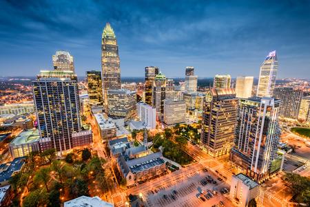 Charlotte, en Carolina del Norte, EE.UU. uptown paisaje urbano. Foto de archivo