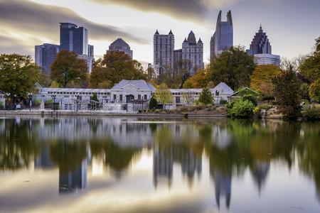 Atlanta, Georgia, USA jesienią Skyline z Piedmont Park. Zdjęcie Seryjne