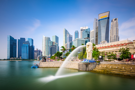 singapore city: Singapore skyline at the Merlion fountain.
