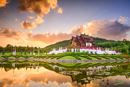templo: Chiang Mai, Tailandia en Royal Flora Ratchaphruek Park.