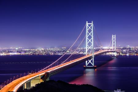 Akashi Kaikyo-Brücke, welche die Seto-Binnenmeer von der Insel Awaji nach Kobe, Japan.