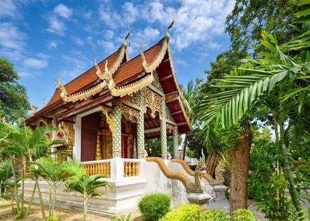 templo: Chiang Mai, Tailandia pequeña construcción de templos. Foto de archivo