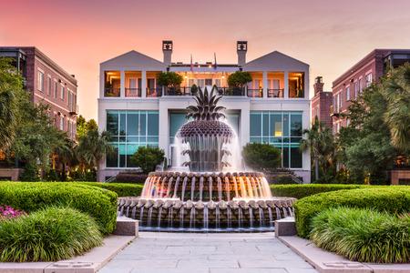 Charleston, South Carolina, Stati Uniti d'America presso il Waterfront Park Ananas Fontana.