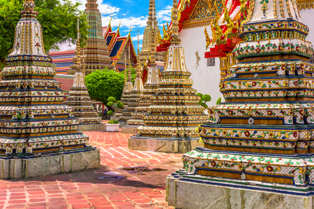 wat pho: Wat Pho Temple grounds in Bangkok, Thailand.