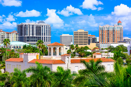 construccion: Sarasota, Florida, EE.UU. horizonte centro.